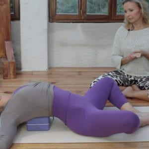 Mirjam Wagner guides through a Yin Yoga Shoulders Sequence